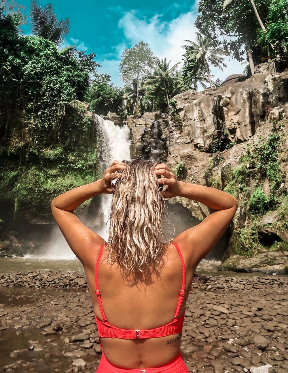 Tegenungan_Waterfall_ubud_vandermeerkat_1